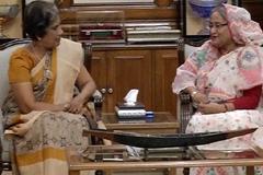 শ্রীলংকার সাবেক রাষ্ট্রপতির সাথে প্রধানমন্ত্রীর সৌজন্য সাক্ষাৎ