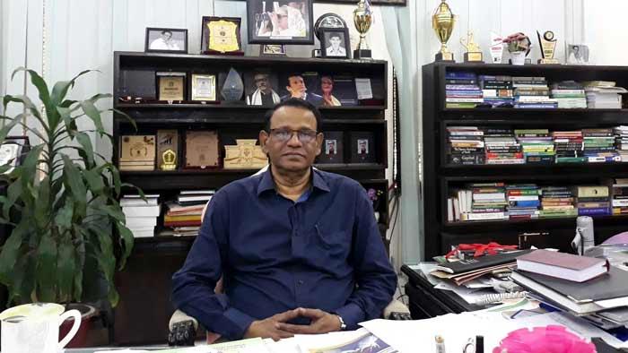 অবসরে যাচ্ছেন ঢাকা কলেজের অধ্যক্ষ মোয়াজ্জম হোসেন