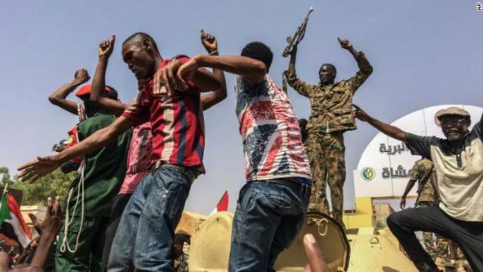সুদানে ক্ষমতা দখল করলো সেনাবাহিনী