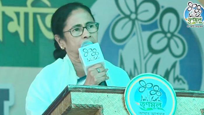 মোদি 'হারাতঙ্ক' রোগে ভুগছেন : মমতা