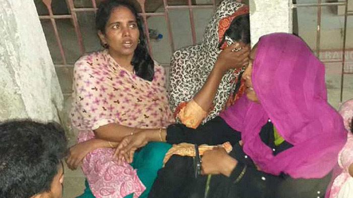 কুমিল্লায় যুবককে গলা কেটে হত্যা, গণপিটুনিতে ঘাতক নিহত