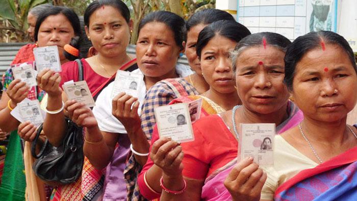 ভারতে বিক্ষিপ্ত সংঘর্ষে চলছে পঞ্চম দফার ভোট গ্রহণ